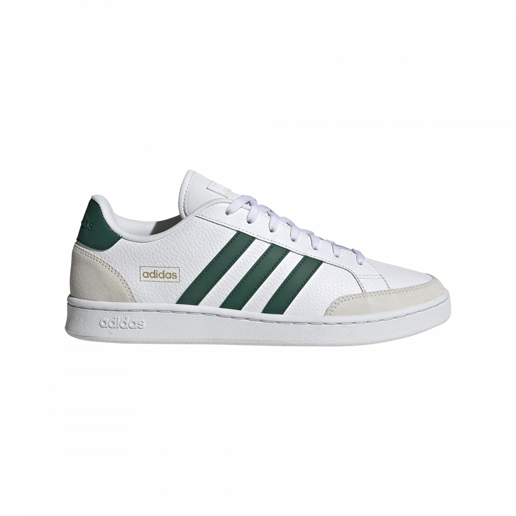 Soldes > chaussure adidas verte > en stock