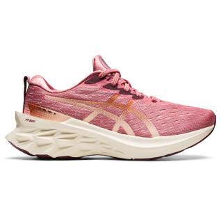 Chaussures femme Asics Novablast 2